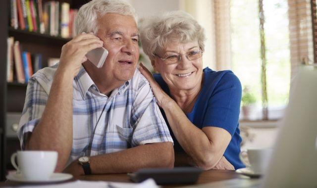 Digitalitzant la cura de la gent gran